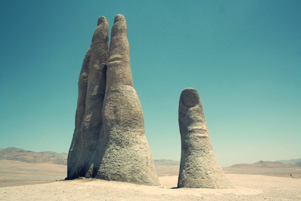 Unusual places – Mano del Desierto: a Giant Symbol of Human Sorrow